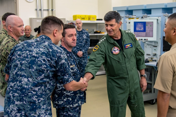 VCNO, MCPON visit USS Blue Ridge