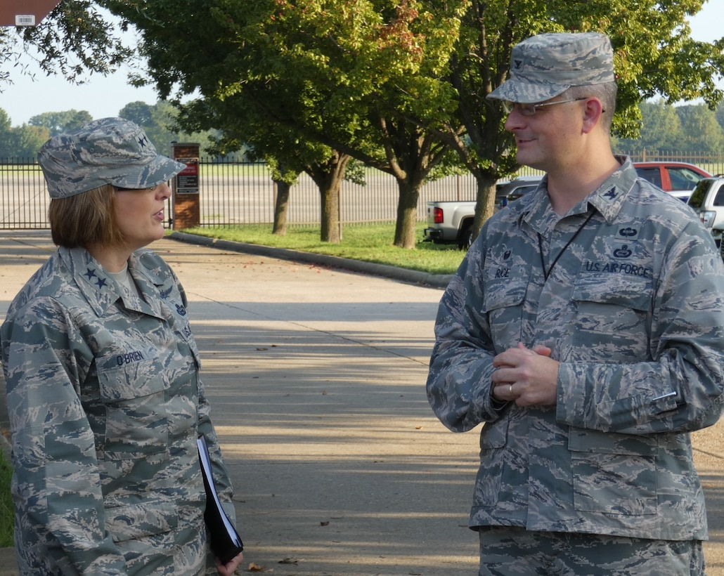 U.S. Air Force Col. Jonathan C. Rice, IV, commander, 363d Intelligence, Surveillance and Reconnaissance Wing (ISRW), greets Maj. Gen. Mary F. O'Brien, commander, Twenty-Fifth Air Force, during her recent visit to the 363 ISRW headquarters at Joint Base Langley-Eustis, Virginia, Sept. 4, 2018.