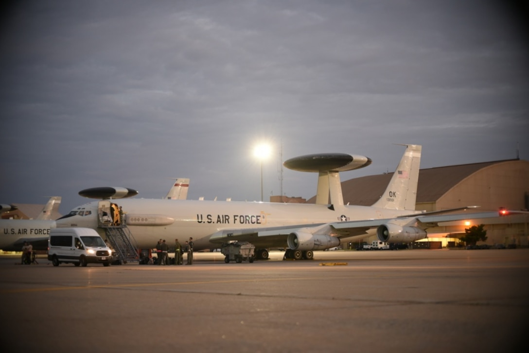 An E-3G Airborne Warning and Control System aircraft of the 552nd Air Control Wing, 960th Airborne Air Control Squadron, is prepared during the early morning hours of Sept. 15, 2018 for a response to Hurricane Florence mission at Tinker Air Force Base, Oklahoma. The AWACS will provide air control and de-confliction service along the East Coast of the United States as they monitor and control airspace as local, state and federal assets move in to the area to conduct rescue and recovery operations. (U.S. Air Force photo/Greg L. Davis)