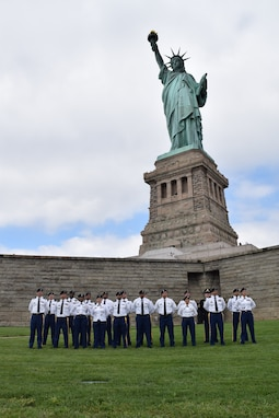 Soldiers Reenlist at the Feet of Lady Liberty