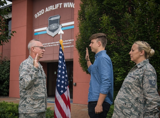 Welcome to the 932nd Airlift Wing, as newest member joins the Air Force Reserve Wing, located at Scott Air Force Base, Illinois.