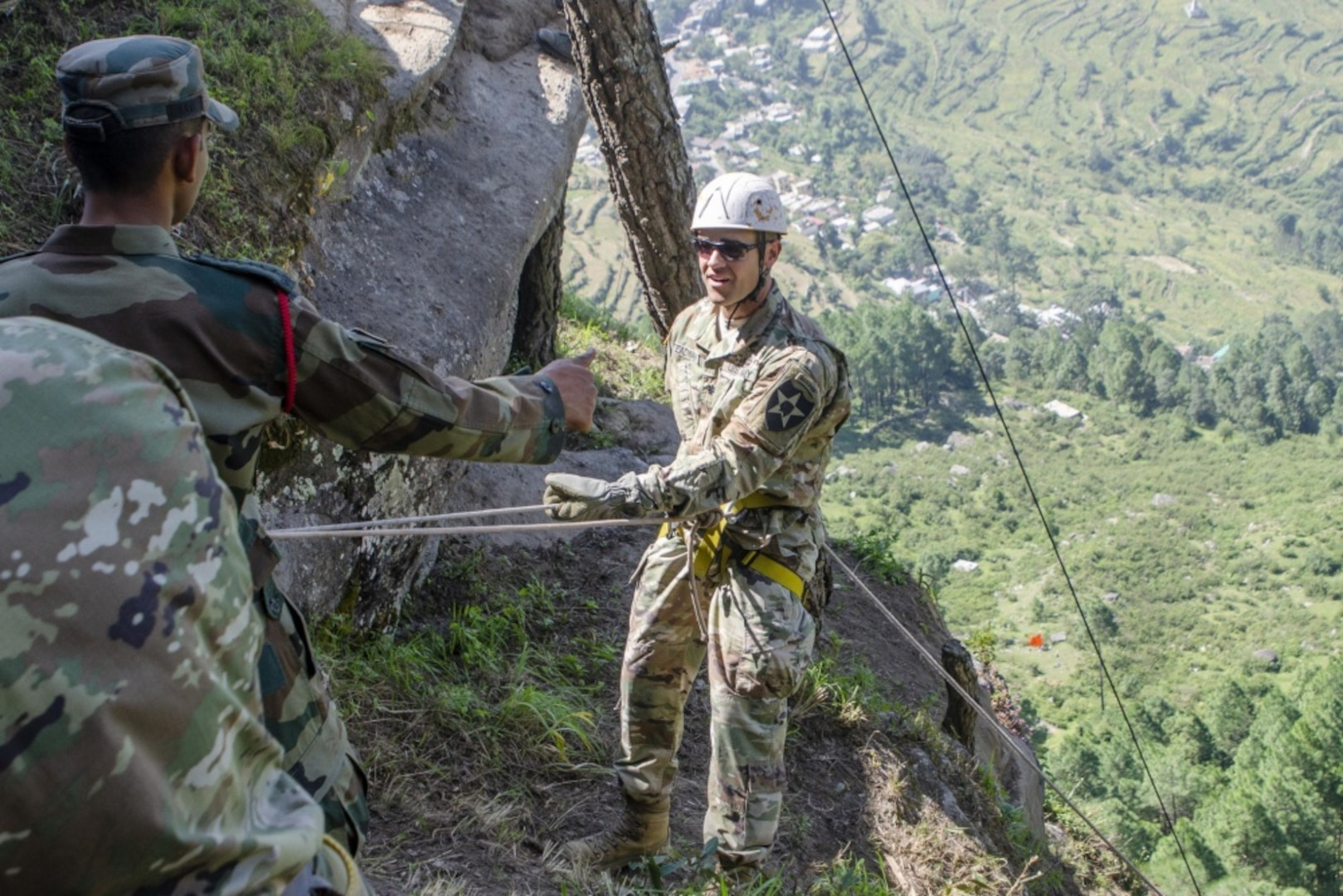 Bayonet Soldiers hone mountaineering skills in India