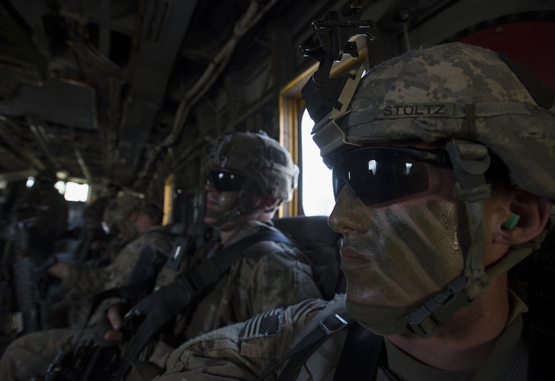 US Marines assist Army in joint training exercise > Joint