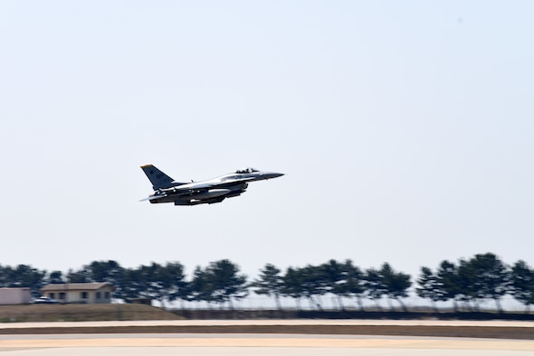 A 35th Fighter Squadron F-16 Fighting Falcon takes off during Buddy Squadron training event at Kunsan Air Base, Republic of Korea, March 28, 2019. Buddy Squadron provided U.S. pilots and opportunity to integrate with Republic of Korea pilots from a different base. (U.S. Air Force photo by Senior Airman Savannah L. Waters)