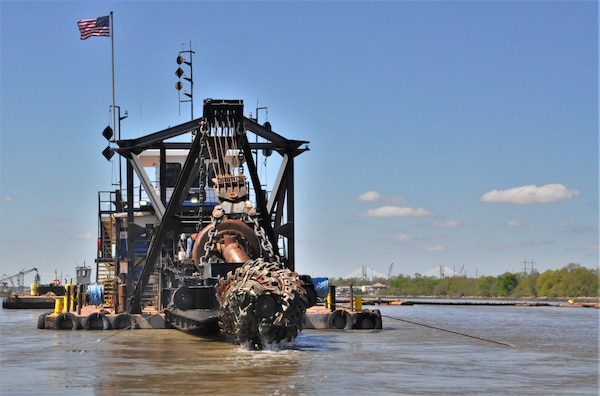 Savannah Harbor maintenance dredging