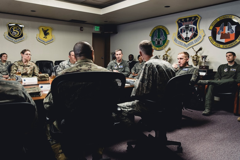5th Air Force, USFJ Commander visits Team Kadena