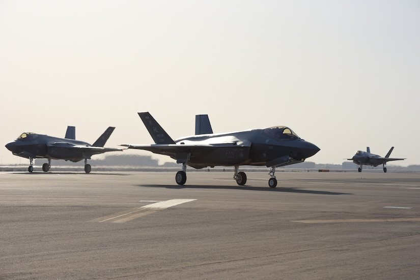 A photo of F-35A Lighting II taxing