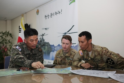 U.S. Force Korea Commander Awards Soldiers for Efforts Against Wildfire