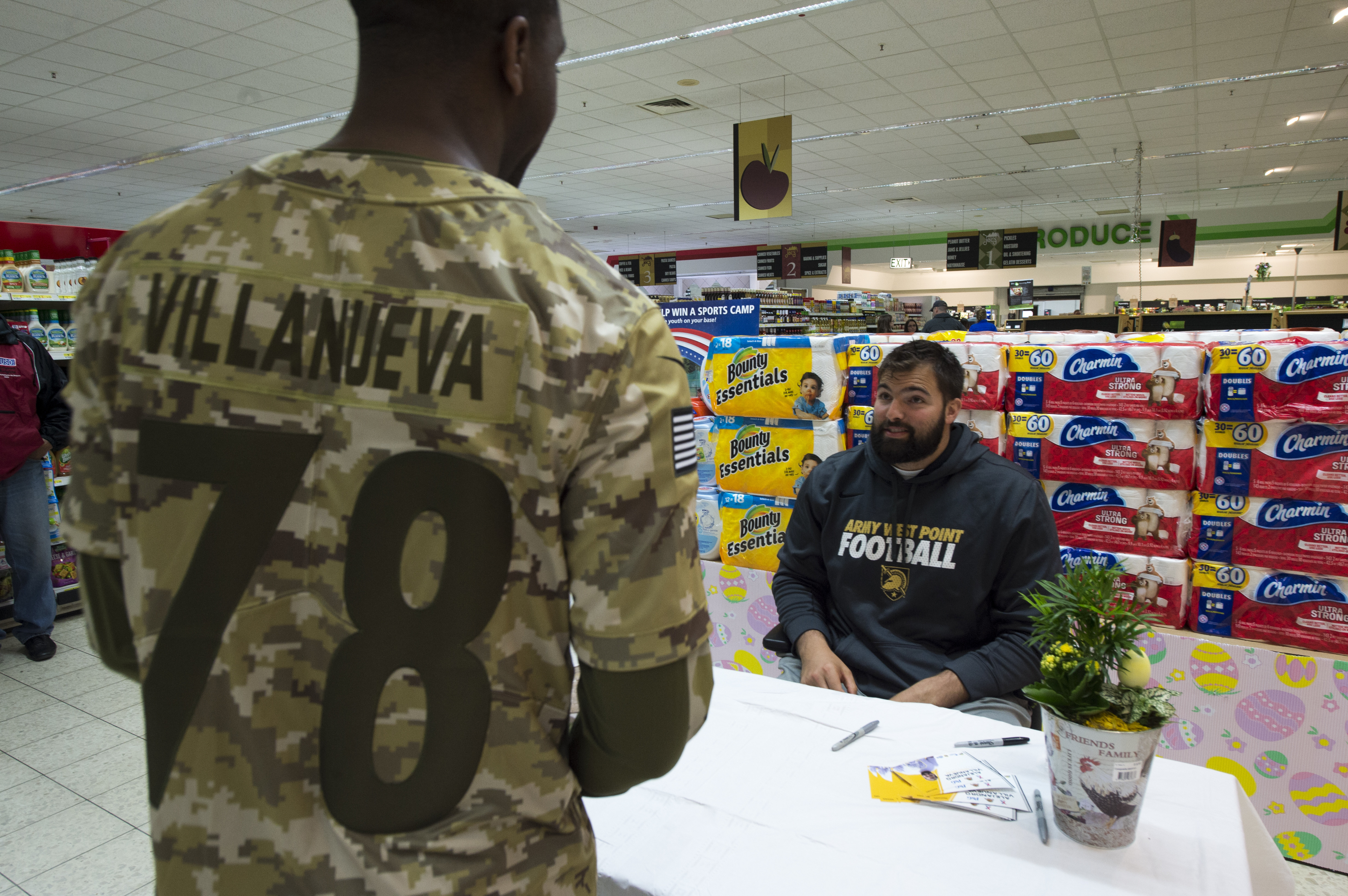 Former Army officer, current NFL player gives back to