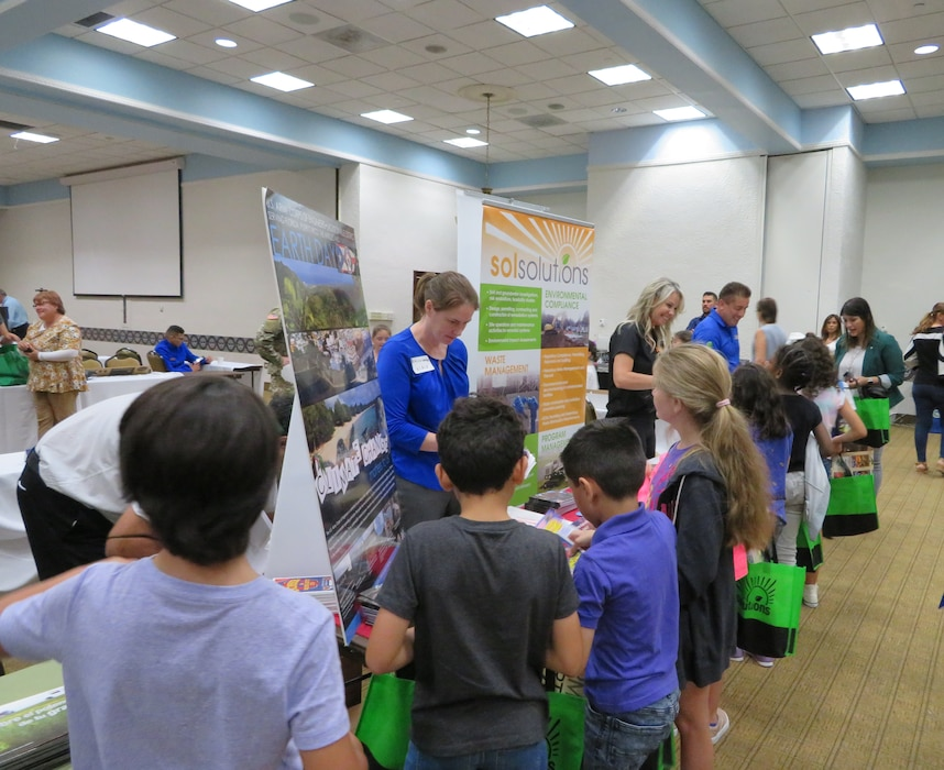 elementary school students visit USACE booth