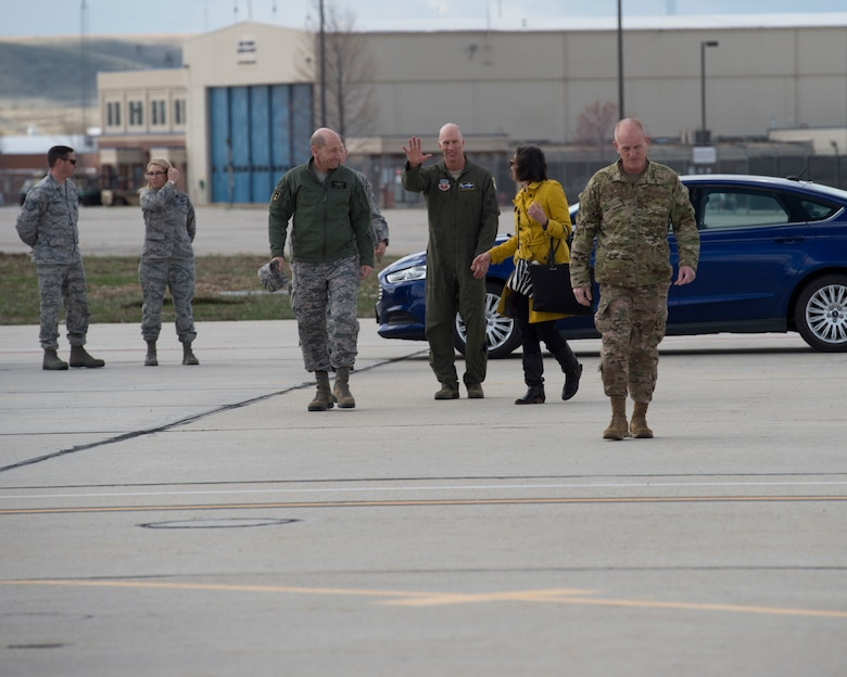 Gen. Mike Holmes, commander of Air Combat Command, prepares to depart from the 124th Fighter Wing, Mar. 28, 2019, at Gowen Field in Boise, Idaho