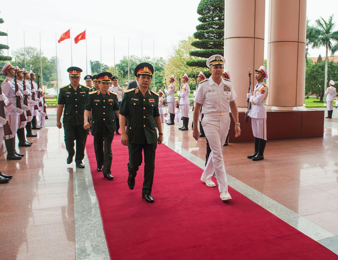 USINDOPACOM commander visits in Vietnam