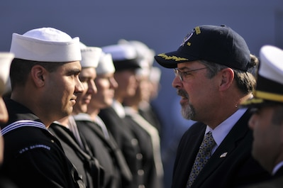 NORFOLK (Nov. 19, 2009) Capt. Richard Phillips, former Captain of the container ship MV Maersk Alabama, publicly thanks Sailors assigned to the guided-missile destroyer USS Bainbridge (DDG 96) for his dramatic rescue at sea. On Easter Sunday, April 12, 2009, Navy SEALs positioned on the fantail of the Bainbridge opened fire and killed three of the pirates who were holding Phillips hostage. Phillips was later rescued by the crew of the Bainbridge. (U.S. Navy photo by Mass Communication Specialist 3rd Class David Danals/Released)