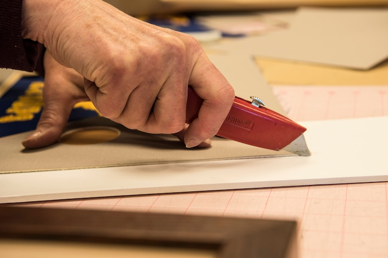 engraving arts crafts