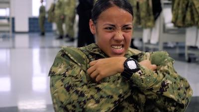 A Recruit doing sit ups