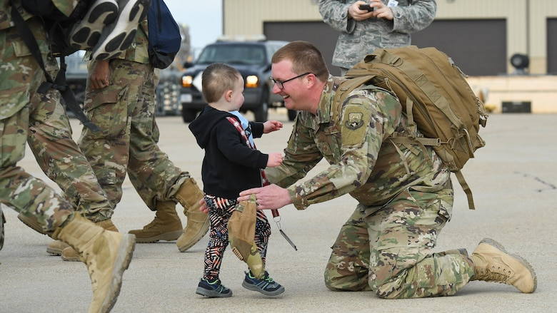 Airmen assigned to the 729th Air Control Squadron return home at Hill Air Force Base, Utah, April 29, 2019, after a 7-month Middle East deployment. While deployed, 729th ACS Airmen provided aircraft control and air surveillance across a 1.1 million square-miles of U.S. Air Force Central Command airspace. (U.S. Air Force photo by R. Nial Bradshaw)