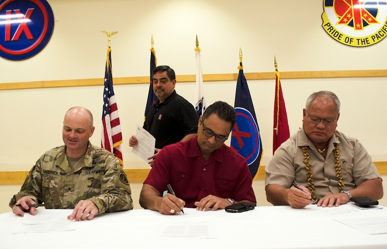 Army Reserve signs MOU with local police force in American Samoa