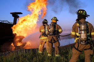 Niagara fire fighters conduct mutual aid drill with local vol. fire company