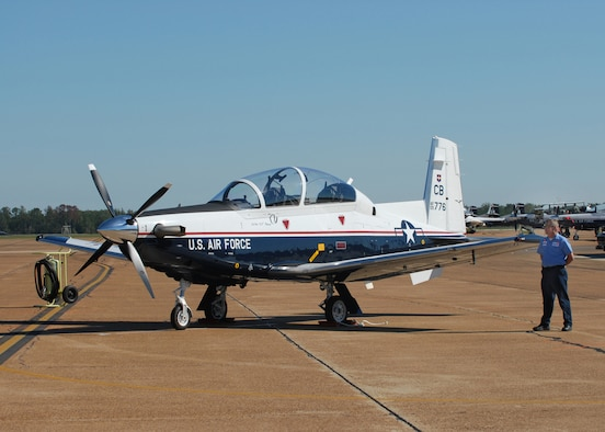 The T-6A Texan II is a single-engine, two-seat primary trainer designed to train Joint Primary Pilot Training, or JPPT, students in basic flying skills common to U.S. Air Force and Navy pilots. (U.S. Air Force photo)