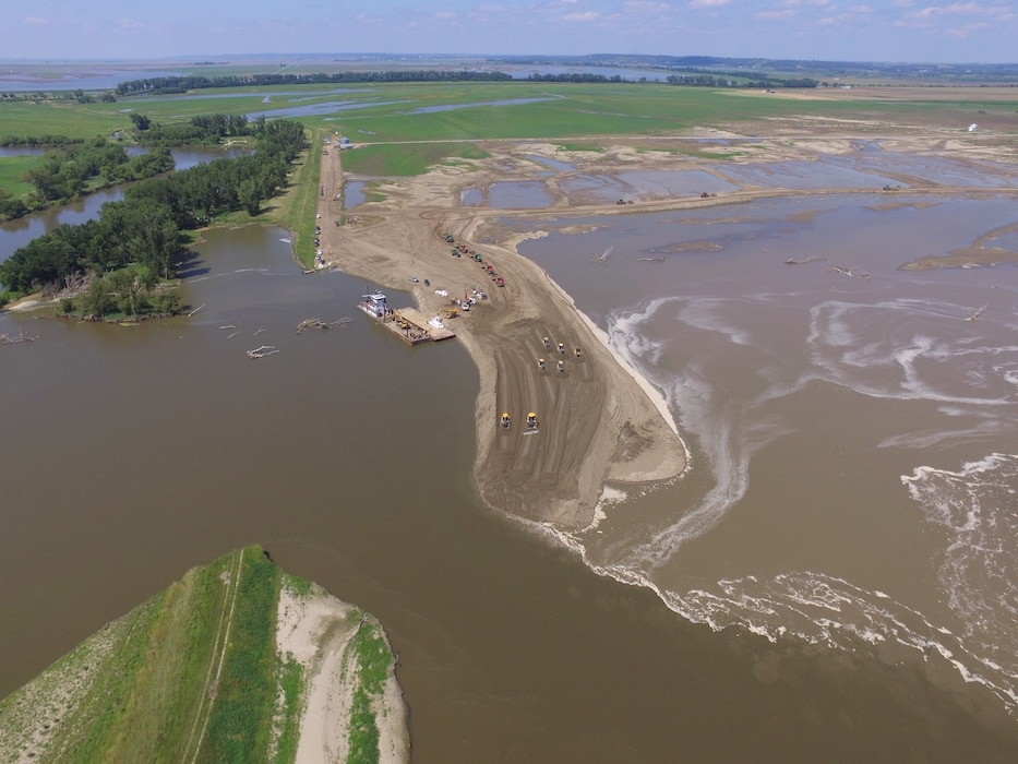 Aerial view showing progress of USACE contractors performing work on Levee L550 Aug. 3, 2019.