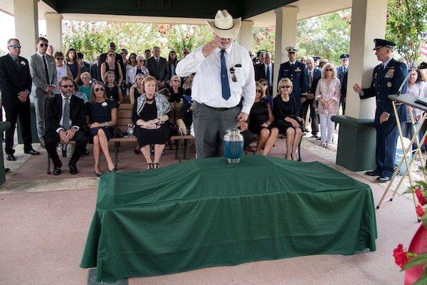 "Close friends and family members attend the funeral ceremony of Oliver ""Ollie"" Crawford Aug. 5, 2019, at Joint Base San Antonio-Fort Sam Houston, Texas. ""Ollie"" passed away at the age of 94, on Sunday, July 21, 2019 in San Antonio, Texas."