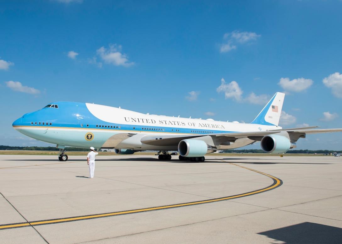President Trump Lands at Wright-Patt