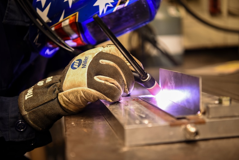 7th EMS receives augmented reality welding system, improves real-world welding