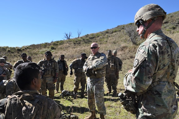 Lt. Gen. Charles D. Luckey visits the 100th Battalion, 442nd Infantry Regiment in Hawaii