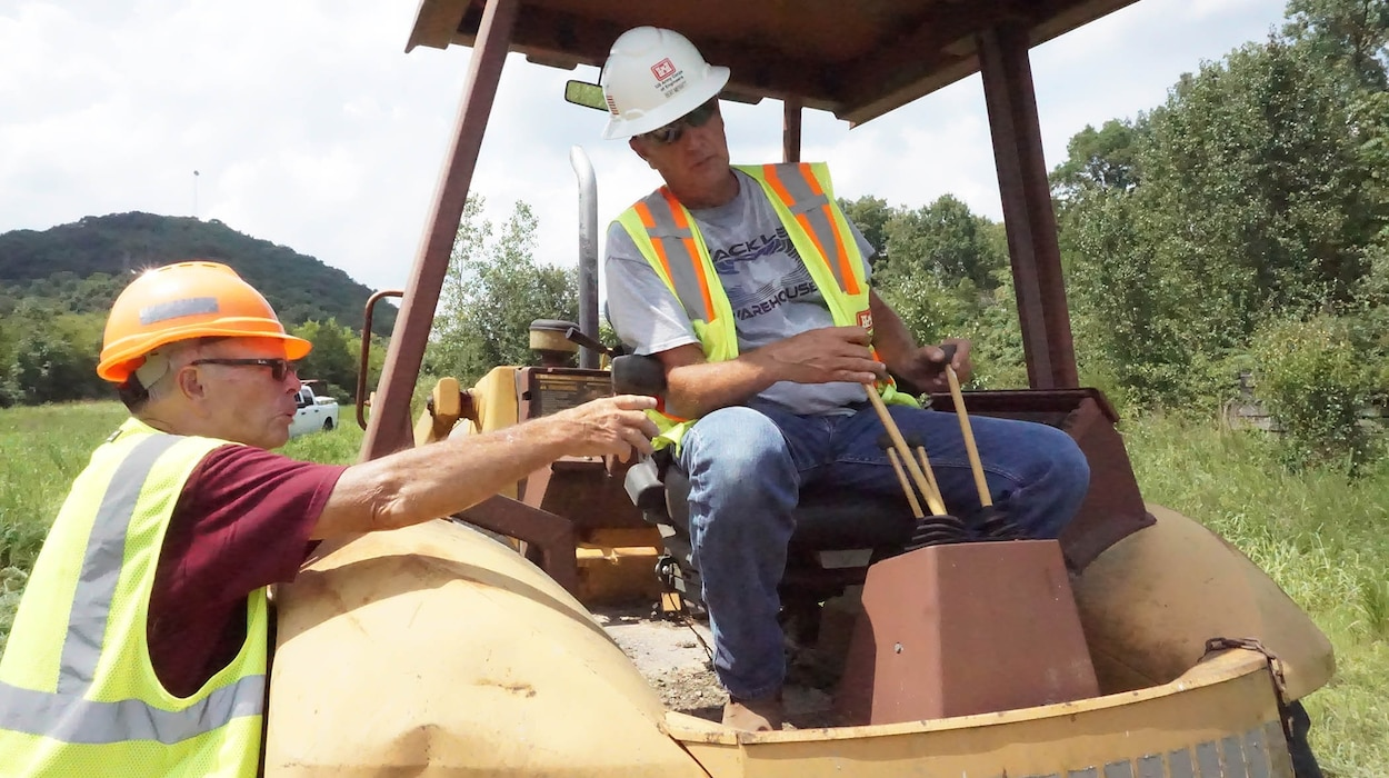 CARTHAGE, Tenn. (Aug. 6, 2019) – U.S. Army Corps of Engineers Nashville District Operations Division personnel attended a three-day class learning how to operate and maneuver various types of heavy equipment at the Cordell Hull Resource Managers Office. (USACE Photo by Mark Rankin)