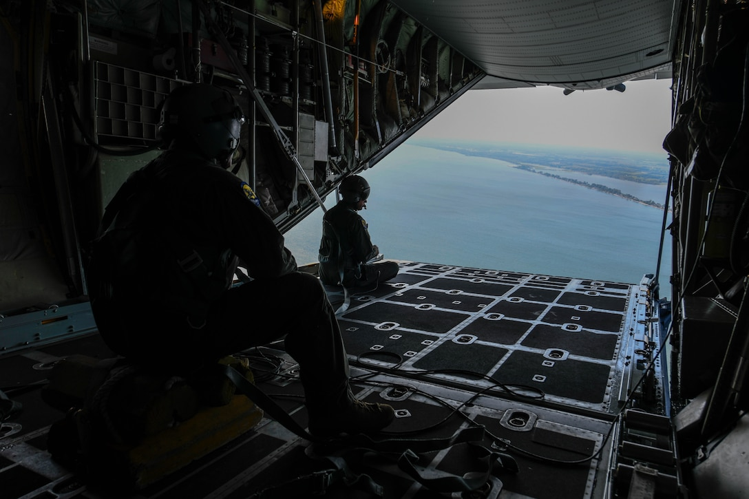 Youngstown Air Reserve Station provided a C-130H Hercules orientation flight for 27 team members of the 910th Airlift Wing and one 911th Airlift Wing member, Aug. 8, 2019. Orientation flights are routinely offered to Air Reserve Technicians and civilians who serve at YARS to provide them with a better understanding of the Wing's flying capabilities.