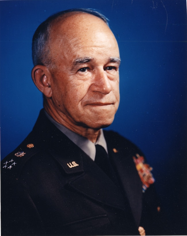 Head-and-shoulders portrait of five-star general.