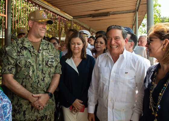 Panamanian President Laurentino Cortizo talks with U.S. military personnel.