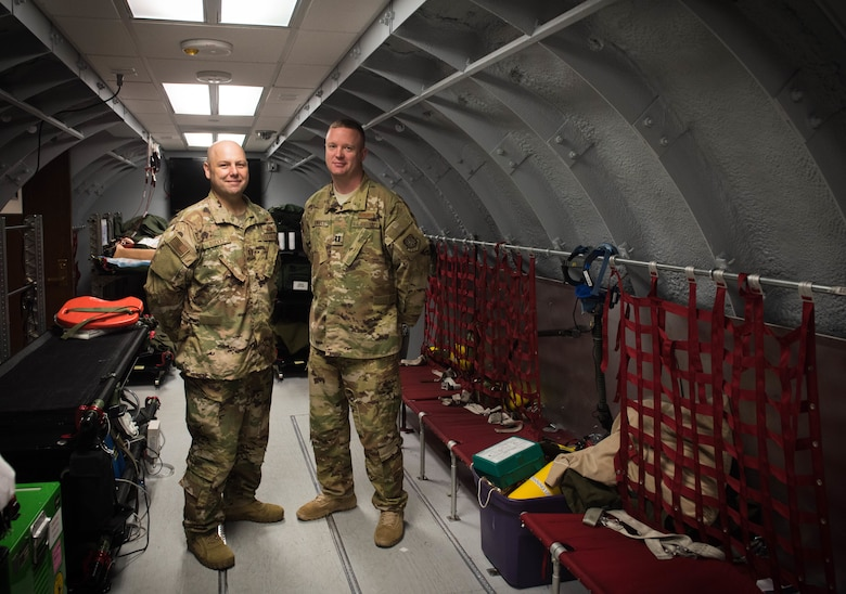 Scott aeromedical Airmen respond to emergency on Southwest flight