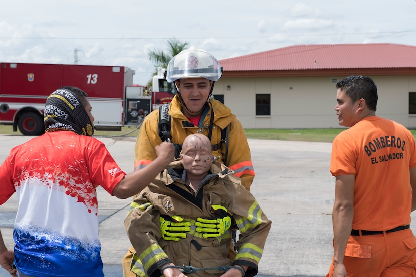 CENTRAL AMERICAN FIREFIGHTERS SHARING OPERATIONAL KNOWLEDGE WITH U.S. COUNTERPARTS