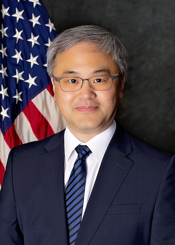 Dr. James Joo, AFRL Aerospace Systems Directorate Advanced Structural Concepts team lead, received the Engineer/Scientist of the Year award from the Society of Asian Scientists and Engineers for his work with advanced aircraft structural concept designs. (U.S. Air Force photo)