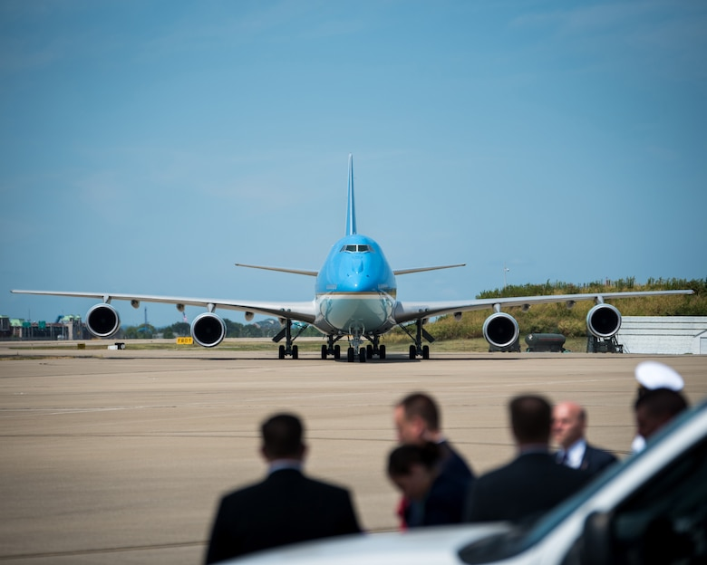 President Donald Trump arrives at the Kentucky Air National Guard Base in Louisville, Ky., aboard Air Force One on Aug. 21, 2019. Trump was in town to speak at an AMVETS convention and attend a fundraiser for Kentucky Gov. Matt Bevin's re-election campaign. (U.S. Air National Guard photo by Airman 1st Class Chloe Ochs)