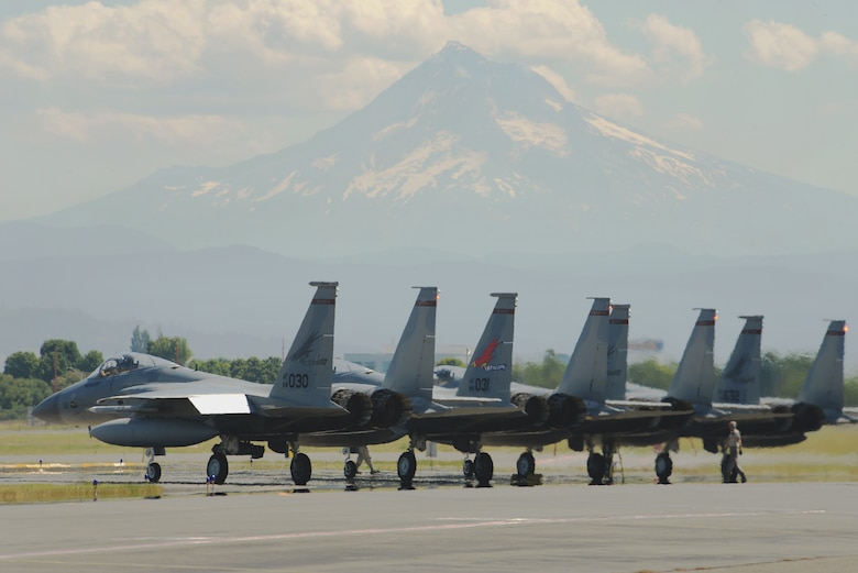 Oregon's 142nd Fighter Wing conducts training with Navy counterparts