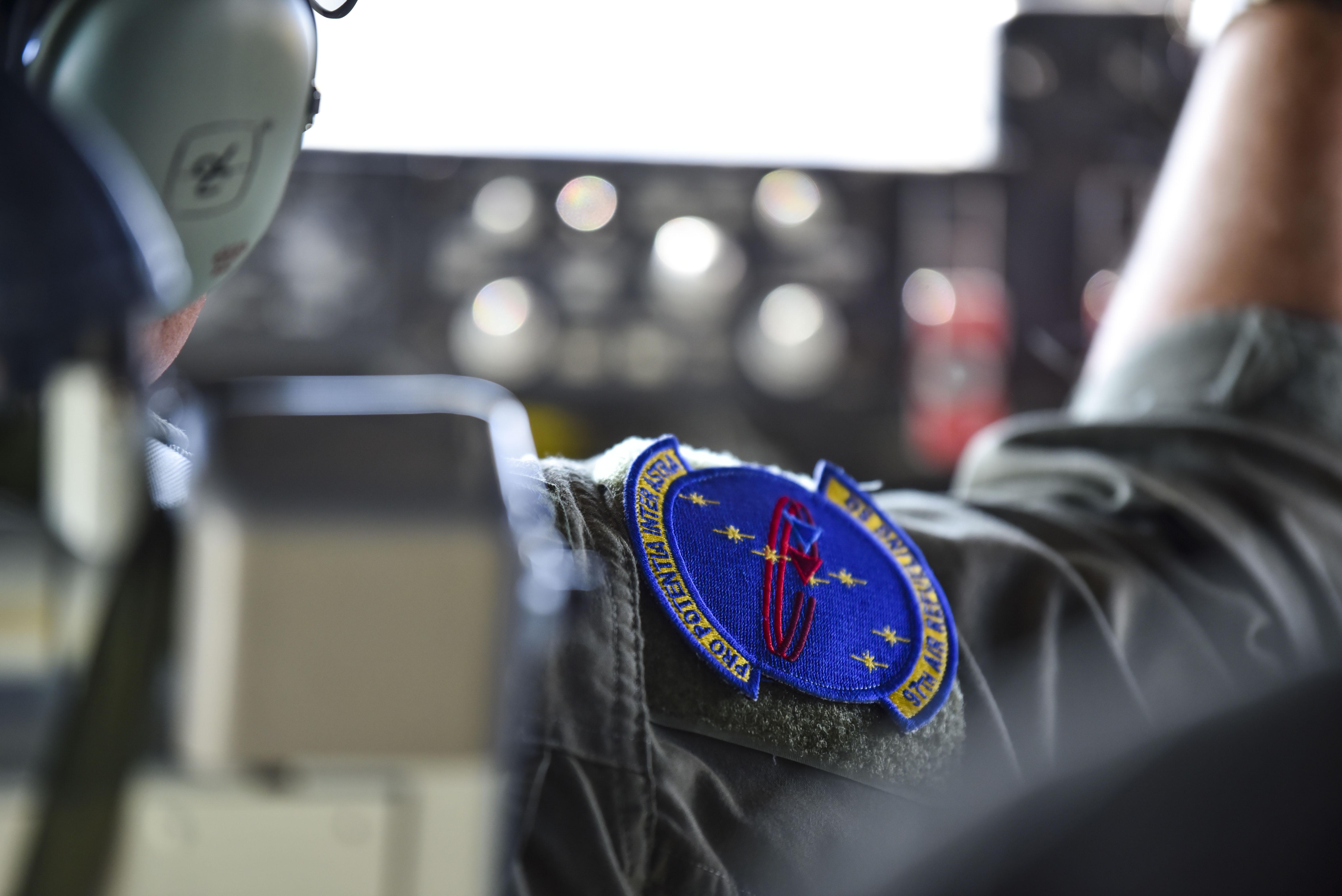 Fairchild regains historic 97th ARS memorabilia > Air Mobility Command >  Article Display
