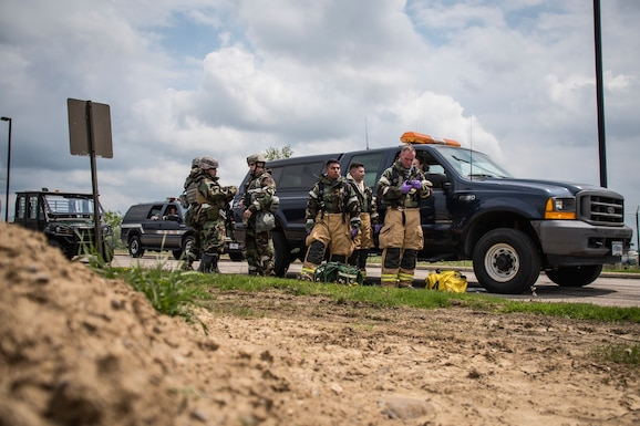 Services members from the 179th Airlift Wing conduct a search and recovery exercise May 18, 2019, at the 179th Airlift Wing, Mansfield, Ohio. Services members that conduct search and recovery are responsible for recovering equipment and human remains from crash sites. (U.S. Air National Guard photo by Airman 1st Class Alexis Wade)
