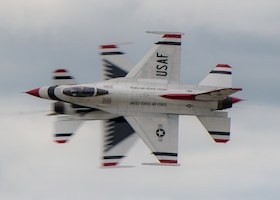 Thunderbirds perform over the skies of Rocherster, N.Y