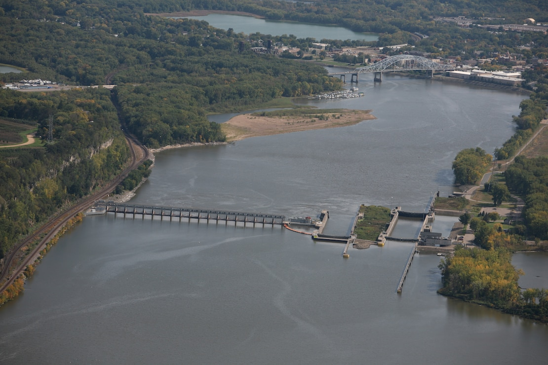 Aerial photo of Lock and Dam 2 in Hastings, Minnesota, Sept. 2007