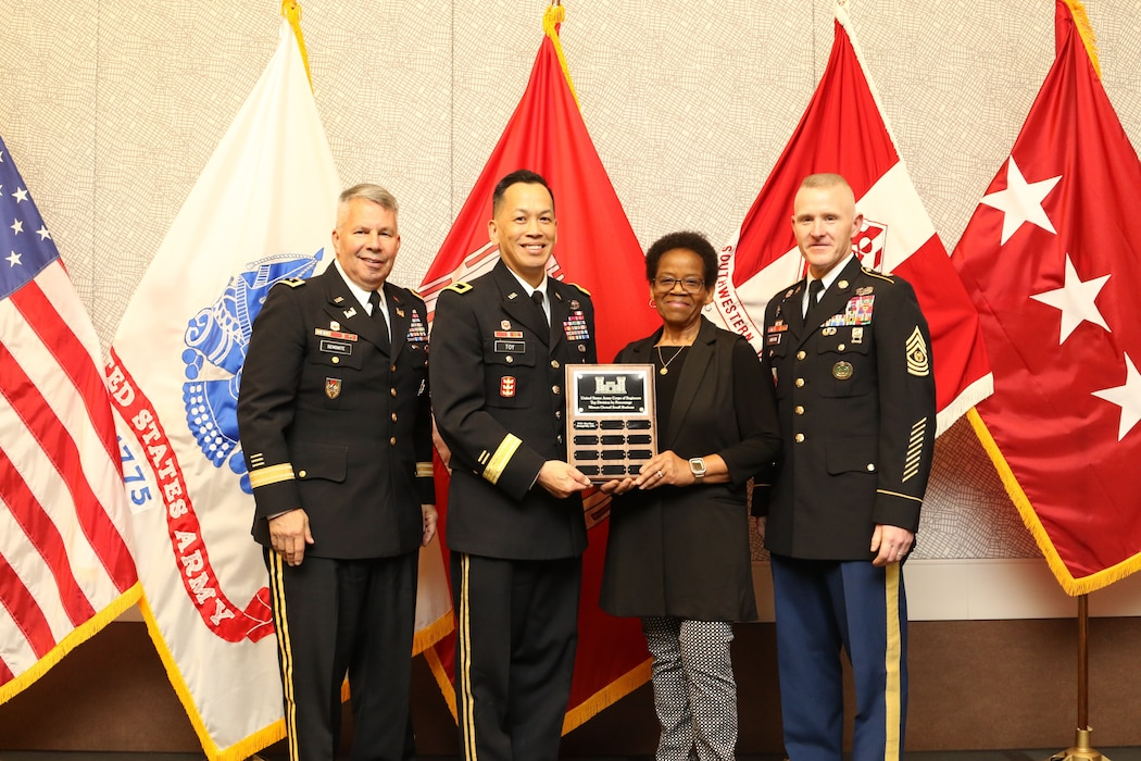 Lt. Gen. Todd Semonite, the 54th Chief of Engineers and Commanding General of the U.S. Army Corps of Engineers (USACE), and USACE Command Sgt. Major Bradley Houston present the Top Small Business Division award to Maj. Gen. Mark Toy, MVD Commanding General, and Marlan Snodgrass, MVD Assistant Director, Office of Small Business Programs, during the 2019 Society of American Military Engineers (SAME) Small Business Conference in Dallas, Texas, Dec. 3, 2019.