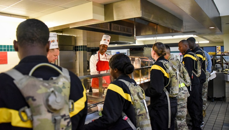 Leadership serves Thanksgiving Day meal