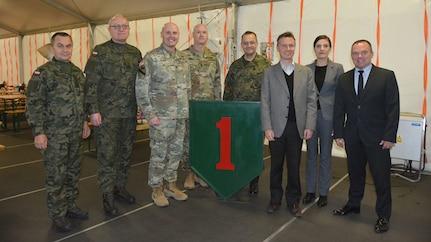 Poznan hosts Polish under-secretary for base tour