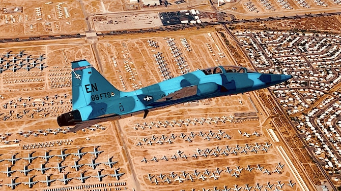 88th FTS plays aggressor role in Arizona