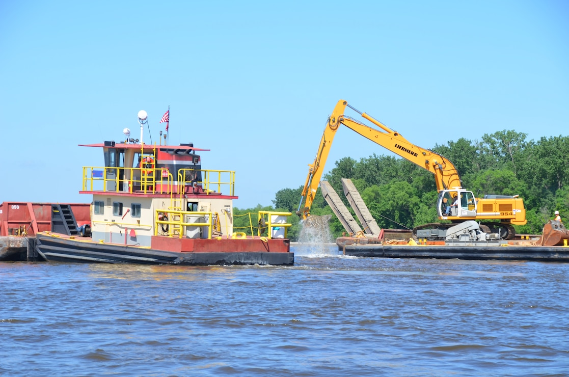 Dredging Operations at Lock and Dam 2 in Hastings, Minnesota in 2011.