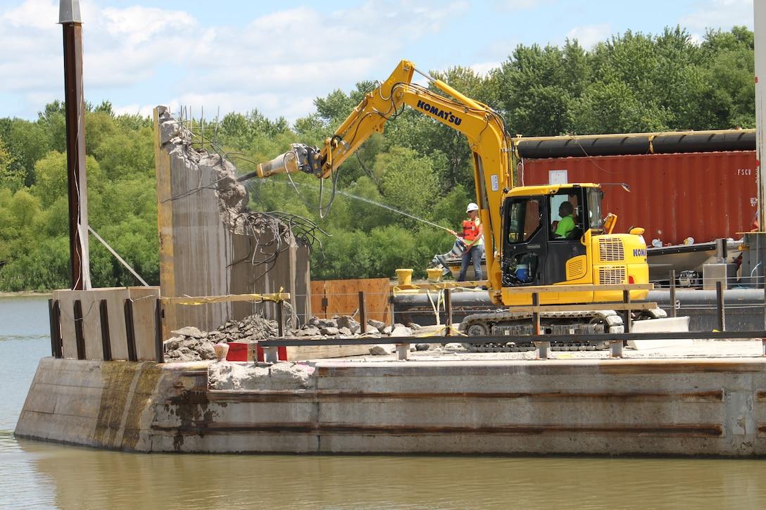 LaGrange Lock and Dam Rehabilitation Work