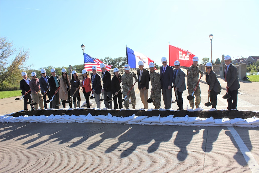 The ceremony marked the start of construction for the $117 million Cedar Rapids, Iowa, Flood Risk Management Project. Lt. Gen. Todd Semonite, U.S. Army Corps of Engineers Commanding General and 54th U.S. Army Chief of Engineers joined Rock Island District staff, community leaders, and congressional representatives to lift the first shovels of soil for the project.