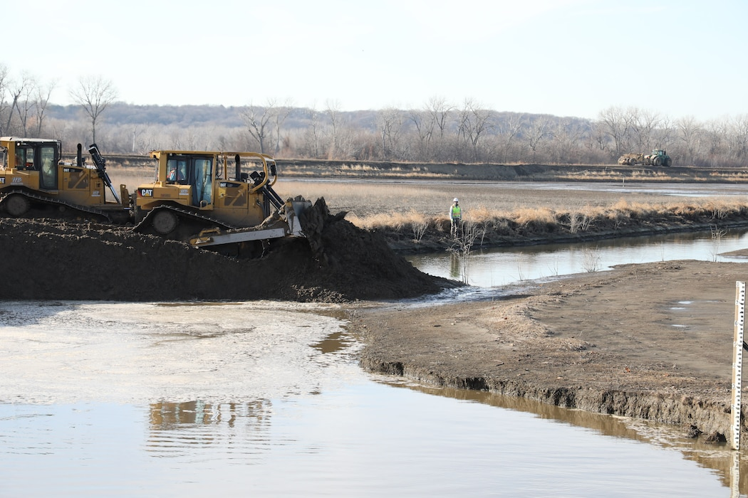 The outlet breach on the Missouri River Levee System L-611-614 was closed on December 6, 2019. This is the first of the Missouri River Levee Systems damaged during the 2019 flooding to be fully closed, restoring an interim level of flood risk management to the entire area behind the levee system.