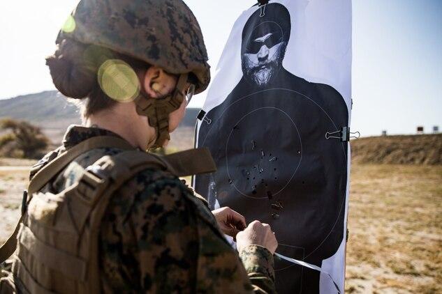 Pendleton Marines participate in annual rifle qualification
